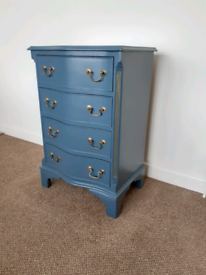 Painted compact chest of 4 drawers