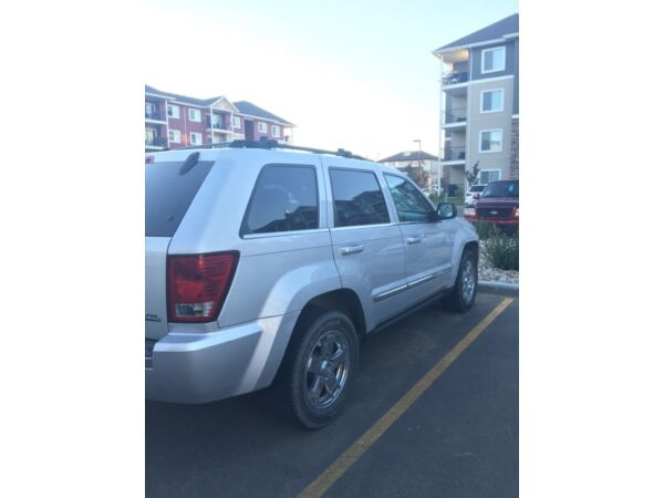 Grand Cherokee Diesel good on gas! Looking for quick sale