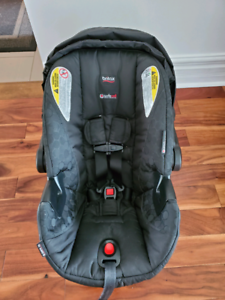 Britax B-safe 35 Baby seat ***Impeccable ***