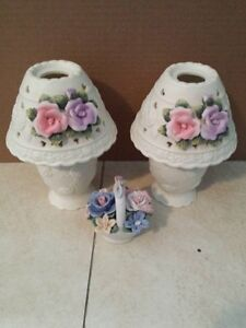 "2 Tea light Flower lamp holder 7""high with a small 3"" vase"