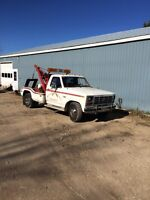 1984 Ford tow truck