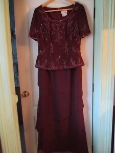 MOTHER OF BRIDE OR GROOM DRESS  -  SIZE 14