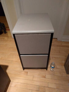 Rolling 2-drawer cabinet thingy