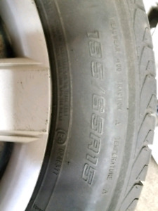 4 Pnue 4, saisons 195/65R15  // 4 tires, 4 seasons 195/65R15