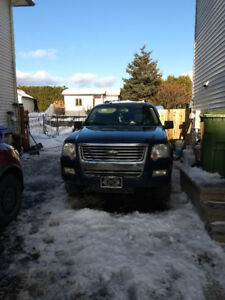 2008 Ford Explorer VUS  trade for pick up welcome