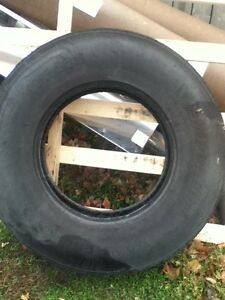 "8 22.5"" drive tires  London Ontario image 2"