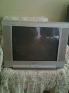 TV Sony, color, 24 inch, not flat screen, works fine 20 Bucks