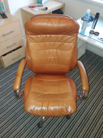 LUXURY OFFICE CHAIR