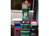 Little tikes play n store kitchen
