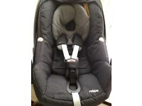 Maxi cosi pebble . Limited black crystal with raoncover. Vgc £60 was £190 in all