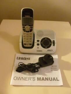 Uniden DECT2035 cordless phone