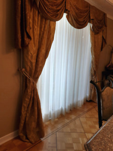 Curtains for patio door + matching curtain for window / Rideaux