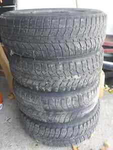 215/65R16 Rims with Blizzack tires London Ontario image 2