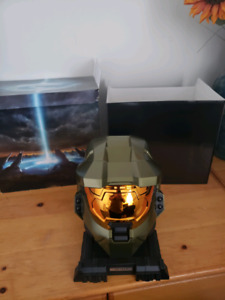 Mint Condition Halo master chief helmet