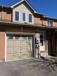 3 Bedroom Townhouse For Rent - Ravine Lot