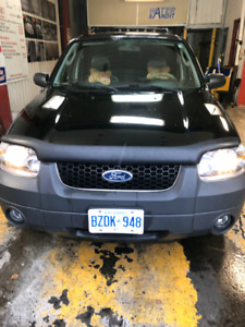 2005 Ford Escape 4x4 XLT Leather V6