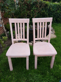 Upcyled shabby chic chairs