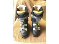Solomon ski boots