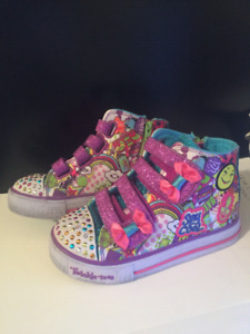 Brand New Girls Size 9 Skechers Twinkle Toes light up high tops