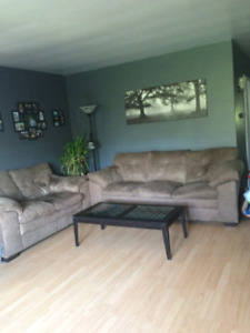 2 bedroom apartment in gananoque available