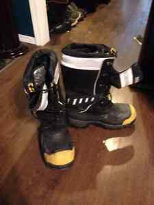 Dakota steel toed insulated winter boots size 11