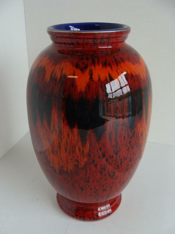 "POOLE Pottery "" Living Glaze "" Art Vase Made in England Cobalt Interior"