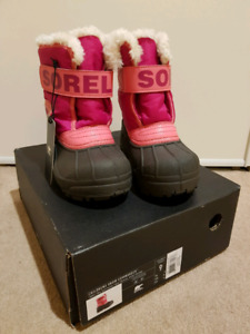 *NEW IN BOX* Kid's Sorel Winter Snow Boots (size 9)