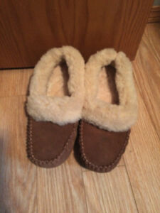 Women's suede and sheep skin slippers NEW