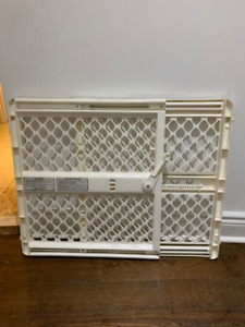 Baby Gate Extendable Good Condition White
