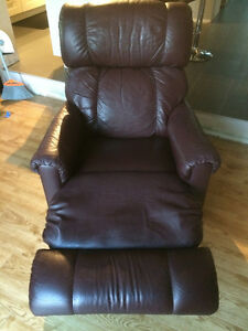 2 Recliner/Rocking Chairs Cambridge Kitchener Area image 2