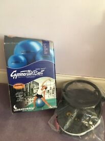 -Gymnastik Blue Maxafe ball with pump £12