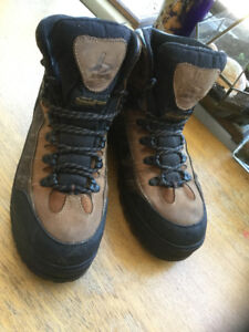 BUM Thinsulate Boots