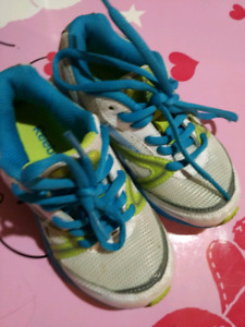 Gently used size 10.5 Reebok running shoes
