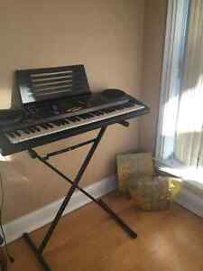Electronic piano keyboard with stand!