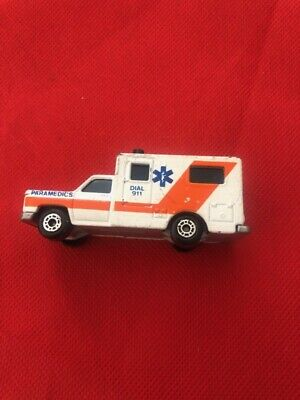 Matchbox The Automotive Superstars White Ambulance mb25 ambulance