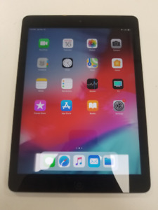 Apple iPad Air A1474 16GB, Wi-Fi - Space Gray - Like New