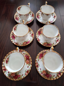 Royal Albert - Old Country Roses 70 Pieces