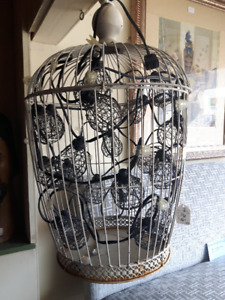 Bird Cage that lights up.