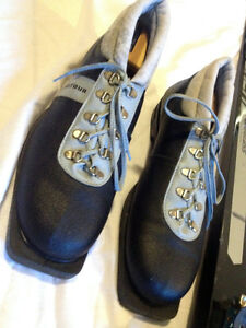 Tall Man's Cross Country Ski Set Size 11-12 SEE VIDEO