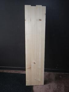 Planche/madrier de bois de pin
