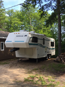1999 Kodiak 24' 5th fifth wheel trailer RV -great condition!