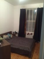 Chambre meublée - Furnished room. Outremont/Plateau/Mile-End.