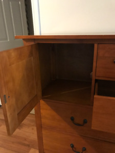 Solid Pine Bureau in excellent condition