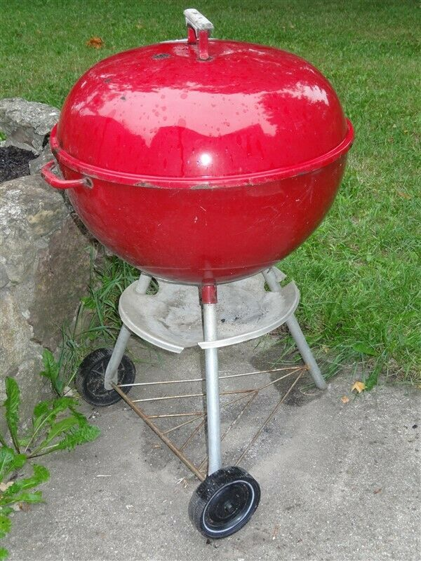 """1960s RED 22"""" Weber Barbecue Grill * AS IS"""