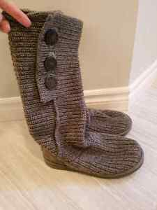 UGGS Cable Knit Size 8 London Ontario image 1
