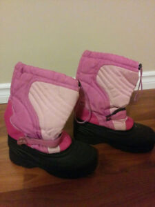 Size 4 snow boots