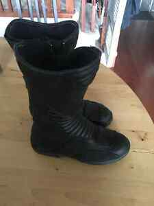 Italian Leather Gaerne Women's Black Rose Size5 Motorcycle Boots