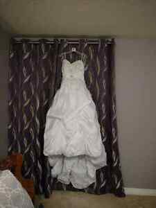 Wedding dress and Vail obo London Ontario image 6