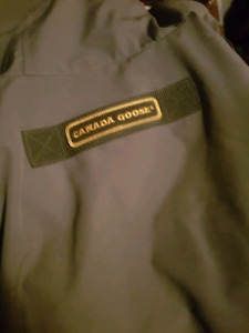 Canadian goose trench jacket barely used