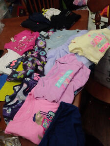 Box of clothing 13 items 18-24months